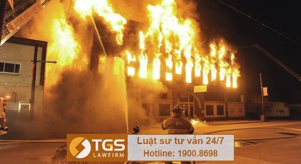 Cháy nhà và lan sang nhà hàng xóm có phải bồi thường thiệt hại không?