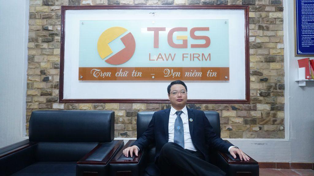 Luật sư Nguyễn Đức Hùng về vị việc bán sendo và shoppe tiếp tay bán sách giả