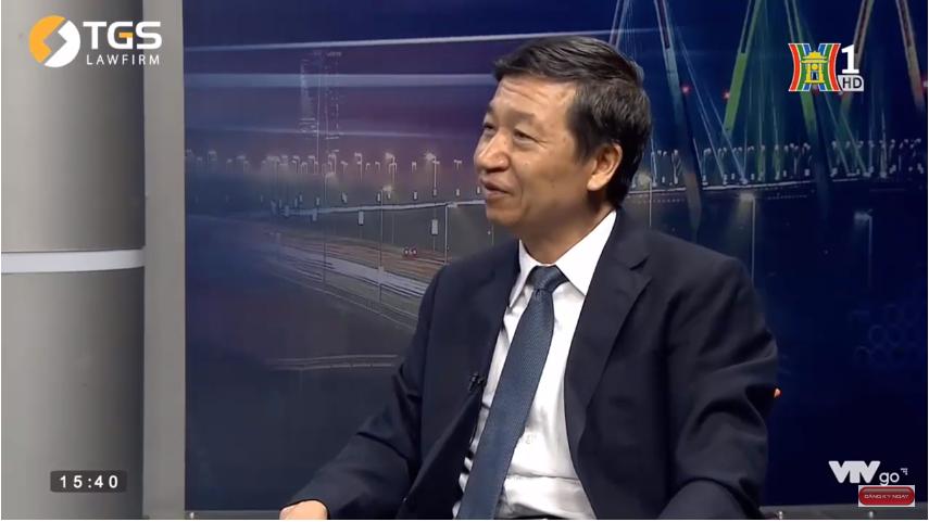 luật sư Lê Ngọc Khánh tham gia đàm thoại về luật doanh nghiệp
